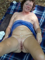 Mature and older women like hot sperm
