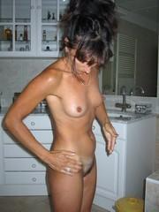 Pretty mature women erotic pictures..