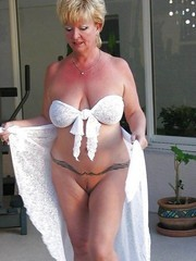 Hottest Canadian granny nude
