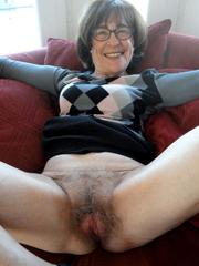 Wild amateur grannies show their old..