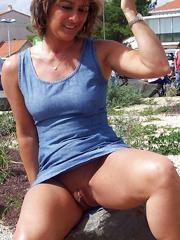 Natural huge tits and big nipples..